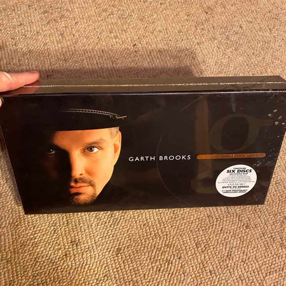 NWIB Garth Brooks The Limited Series